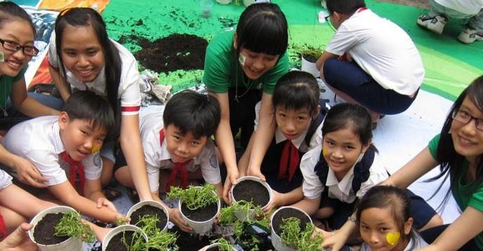 gardening by children