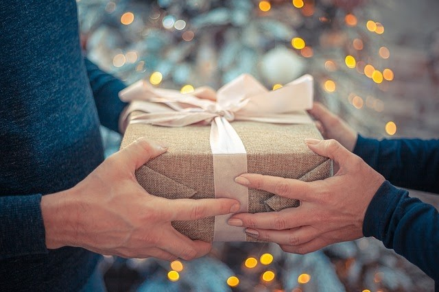green gift for loved ones