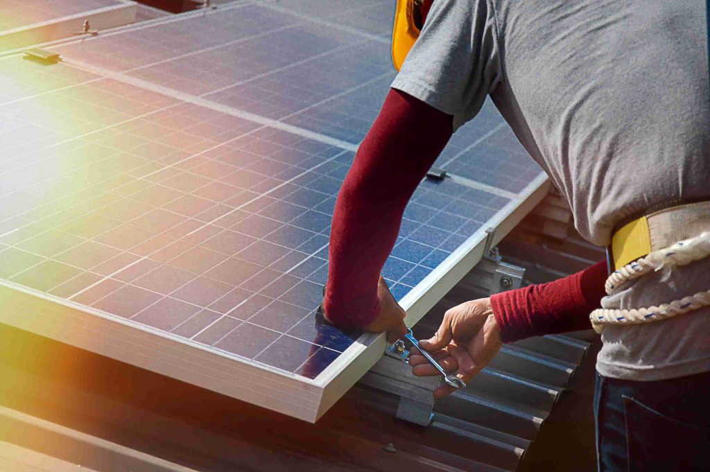 how to maintain your solar panel
